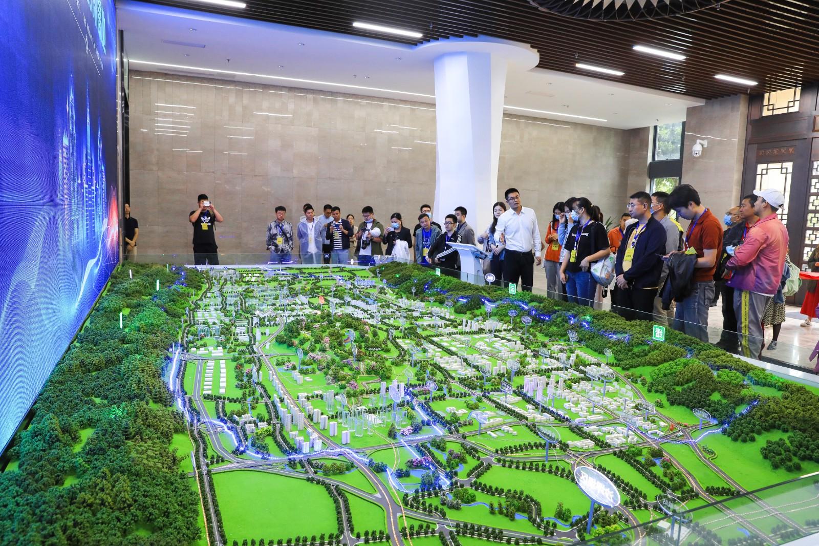 产业集群、筑巢引凤 重庆开启科学城建设 打造科技创新高地